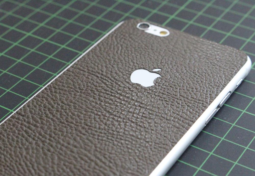 iPhone 6 / 6S / 6 Plus / 6S Plus Aufkleber / Sticker / Skin. 3D Aufkleber für die Rückseite. - Braunes Leder